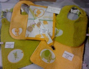 coffret-naissance-ensemble-a-personnaliser-animaux-jaune-et-vert