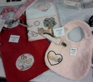trousseau-cadeaux-bébé-ensemble-animaux-rose