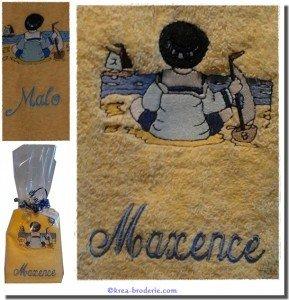 serviette-toilette-brodee-bretagne-a-personnaliser_motif-enfant-a-la-plage_page