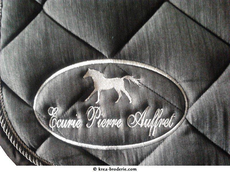 Kr A Broderie Tapis De Selle Brod Ecurie Pierre Auffret Logo