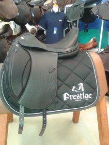 tapis-de-selle-brode-prestige-italia_par-krea-broderie