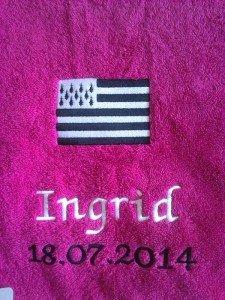 serviette toilette brodee bretagne motif drapeau breton gwenn ha du a personnaliser prenom et date. Black Bedroom Furniture Sets. Home Design Ideas