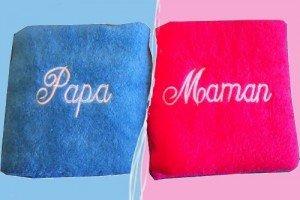 serviettes-de-toilette-brodees-personnalisees-duo-papa-maman-style-un-gars-une-fille